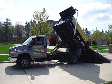Mr. Yard Landscape Supply - Olmsted Falls, Ohio - Your #1 resource for quality bulk and bagged landscaping materials and winter supplies.