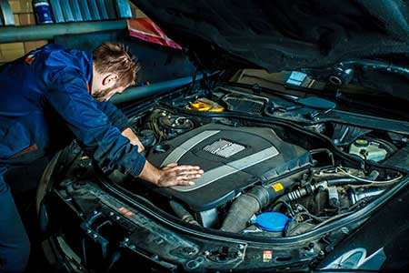 Quality Motor Group - Cleveland, Ohio - Complete Auto Service Mechanic - Specializing in rebuilt engines for Subaru, VW and Audi
