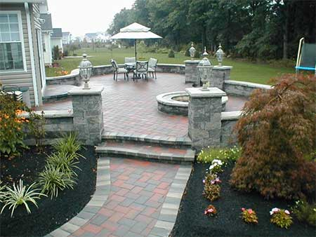 Bulk-N-Bushel Landscaping Materials - North Ridgeville, Ohio - Landscape Supply Business - From Mulch and Topsoil to Wallstone and Pavers